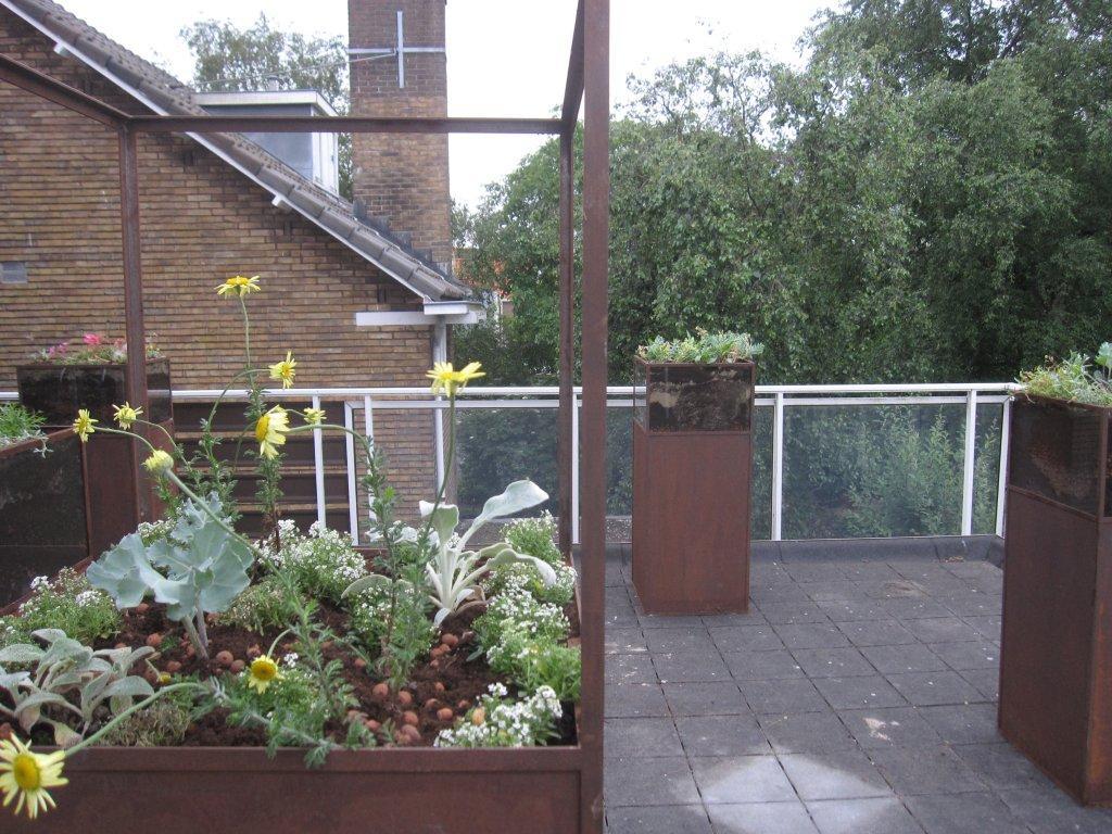 Ontwerp planten potten en plantenbakken voor de complete inrichting van uw daktuin balkon - Luifel ontwerp voor patio ...